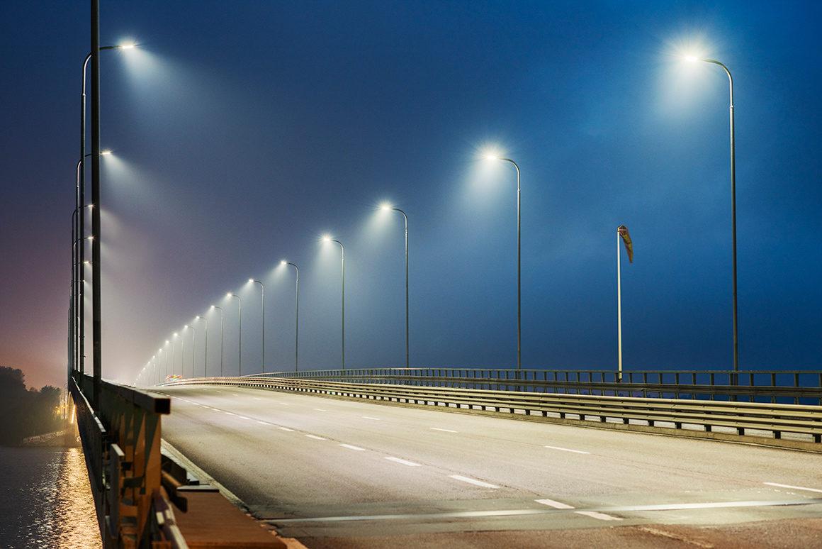 Manchesterin yliopiston teettämän tutkimuksen mukaan heikko valaistustaso on merkittävä tekijä öisin tapahtuvissa kuolonkolareissa