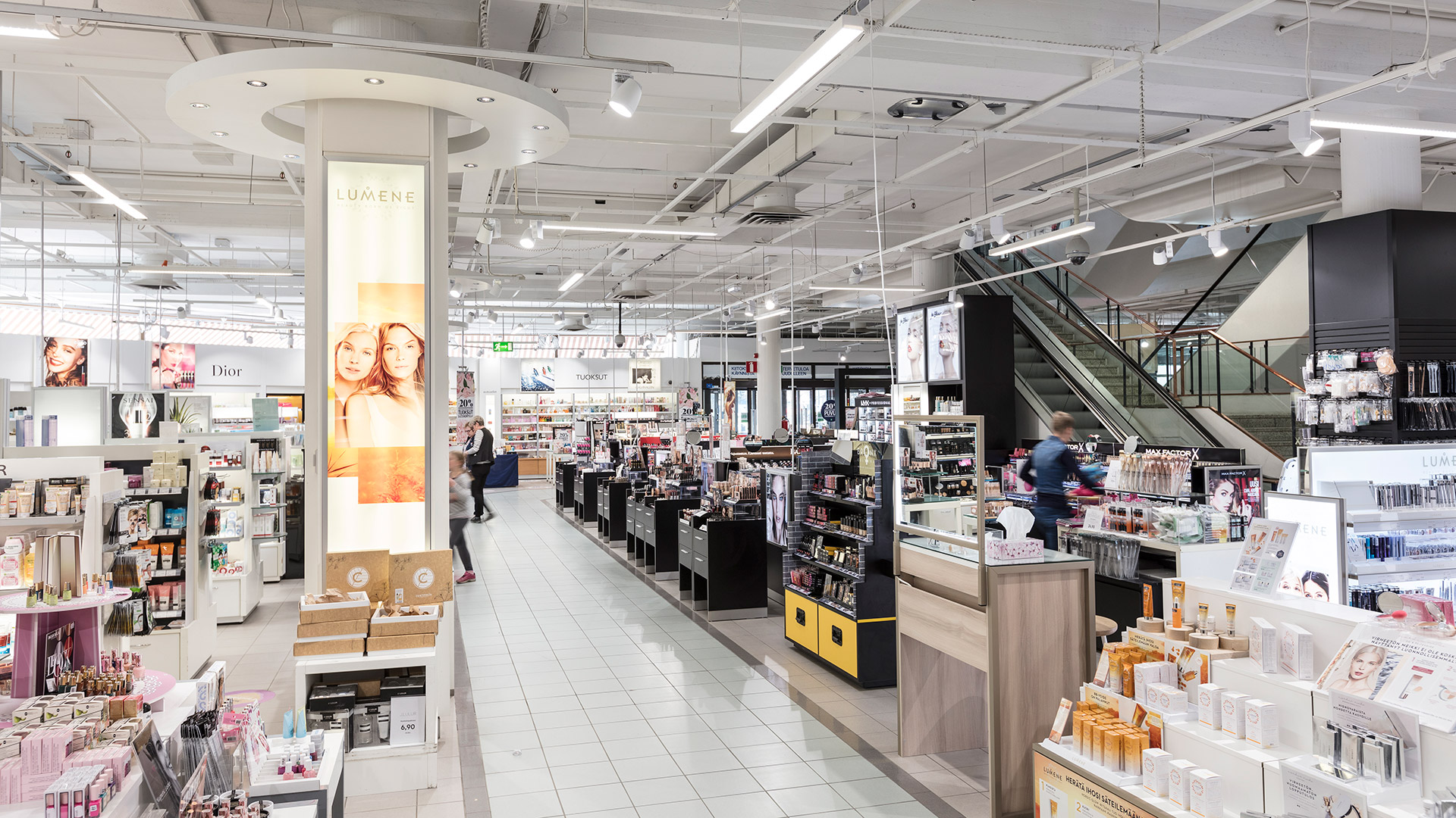 Sokos Joensuu mall uses Greenled's modern LED lighting.